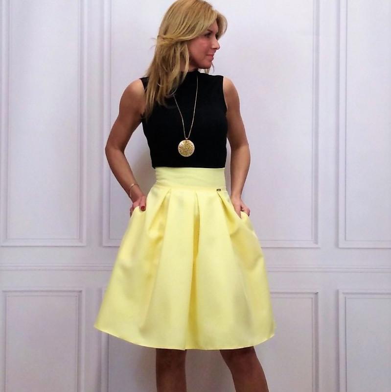 ed052d840e8c Elegantná a zároveň moderná sukňa s vreckami - styl4you.sk