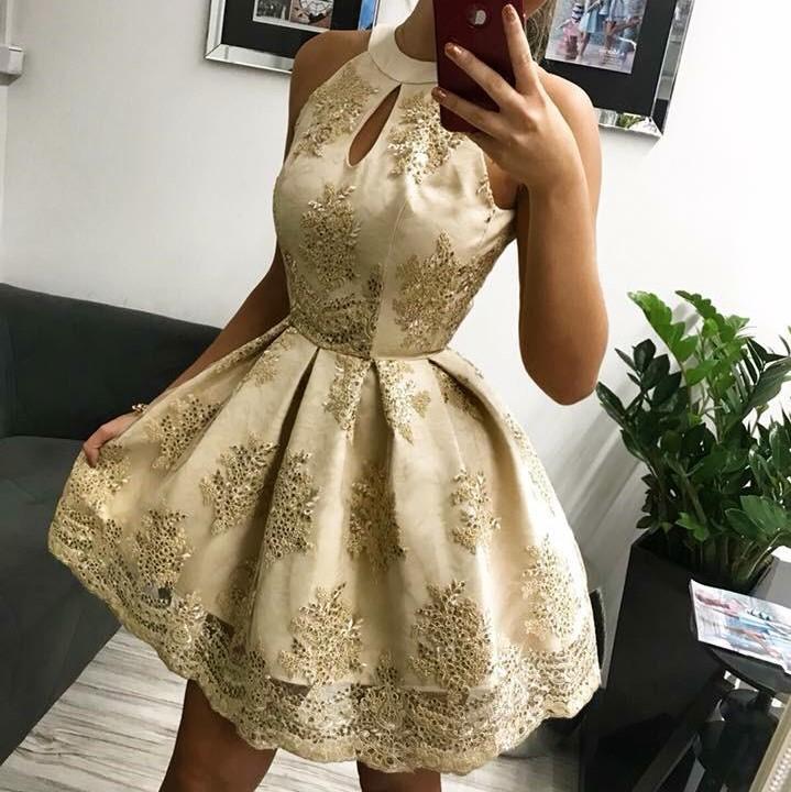 Nádherné krátke áčkové spoločenské šaty bez rukávov  c1dcf081f69